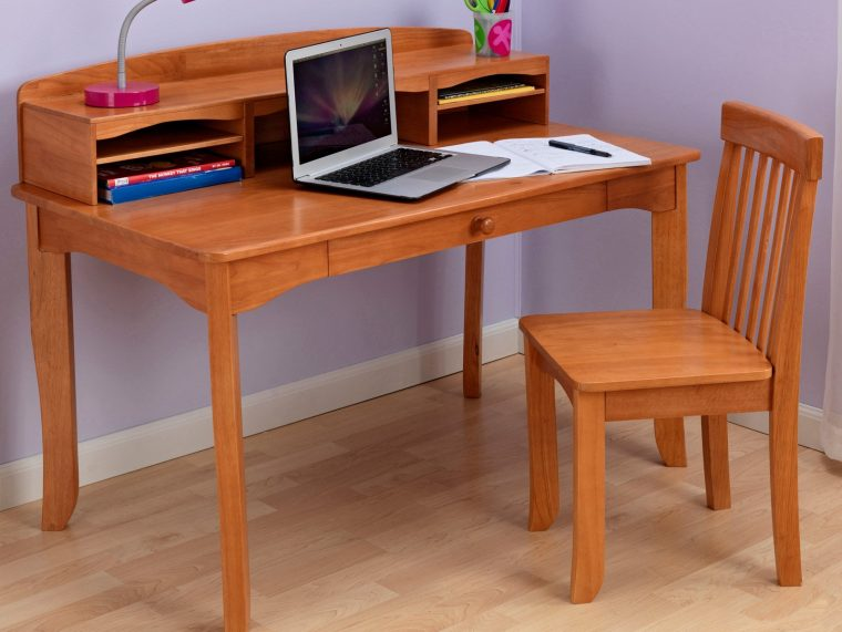 Wooden-Classy-Kids-Desk-And-Chair-With-Storage-Place
